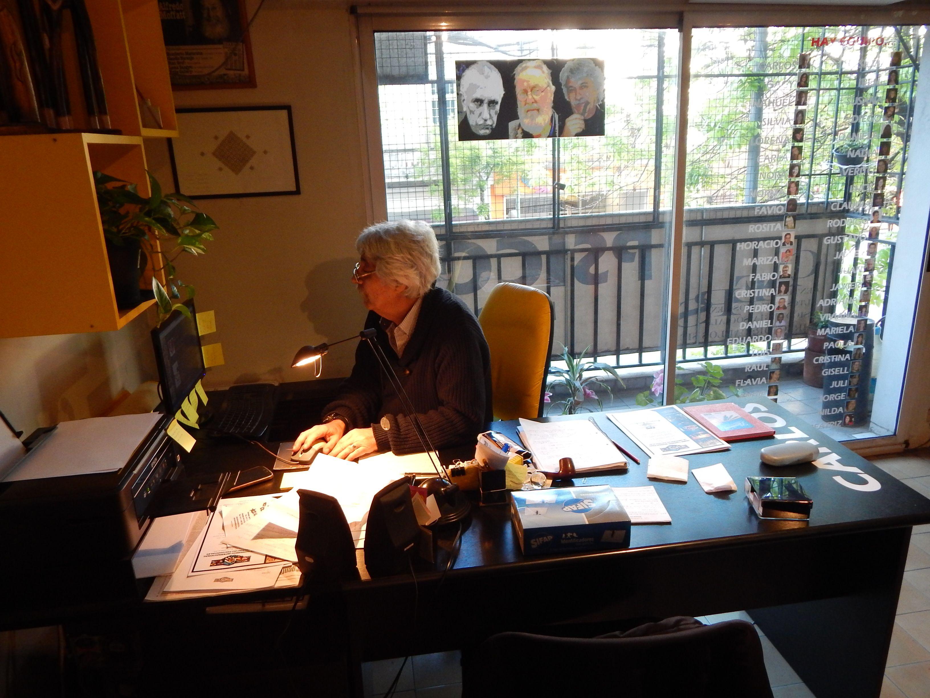 Carlos escritorio