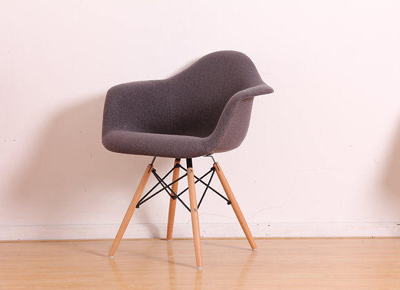 כיסא מרופד דגם קארין
