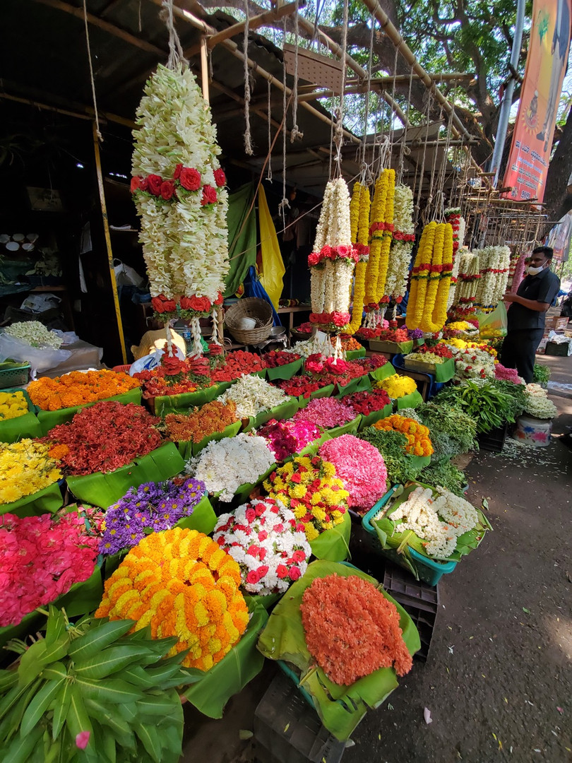 The temple flower market