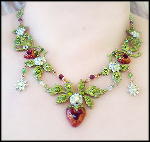 vintage strawberry necklace | learn to make jewellery holiday