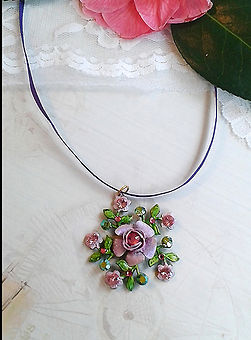 pink rose necklace | bridesmaids rose necklace | creative holidays Spain | Craft holidays in Spain