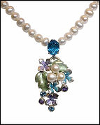 floral contemporay necklace by Jose Martinez