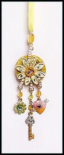 dreamcatcher necklace | jewellery making holidays