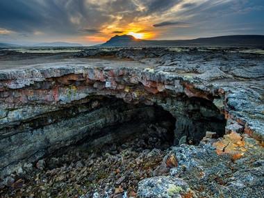 Lávová jeskyně Surtshellir