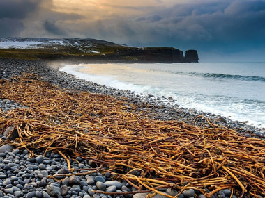 Nejsevernější pobřeží Islandu u Raudinúpuru