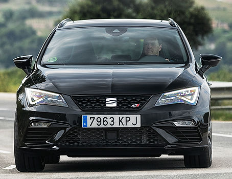 CUPRA-Black-Carbon_004_HQ.jpg