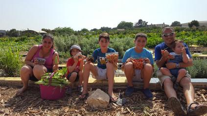 משפחת אלגזי חיפה.jpg