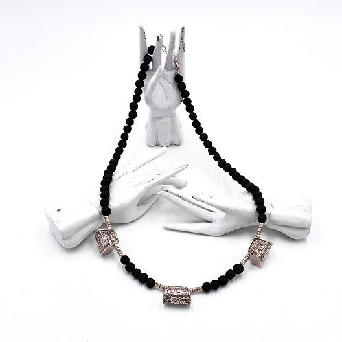 VOLCANIC ROCK NECKLACE