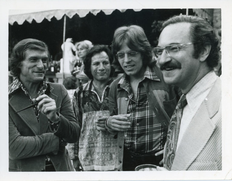 Stroup (2nd right), Hefner (left) & others at a Playboy NORML fundraiser party