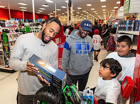 12-10-19 LA Rams Hope For The Holidays Gallery