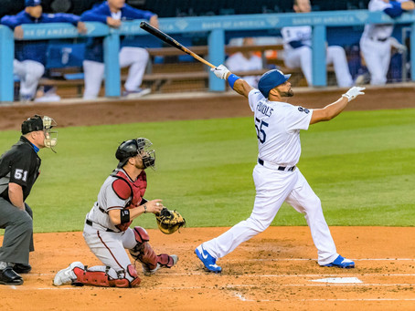 Dodgers defeat the Diamondbacks with home runs from Pujols and Smith