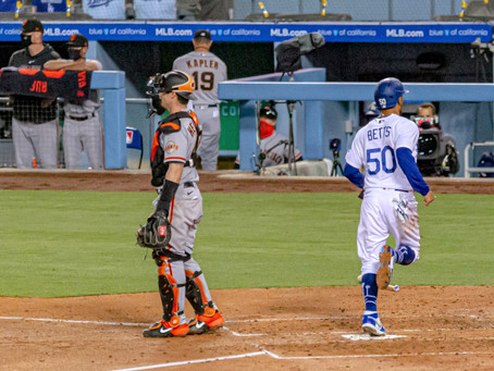 Dodgers fall to Giants 3-1, splitting season-opening series