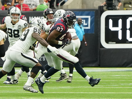 Houston Texans Coral the Oakland Raiders at the end 27-24