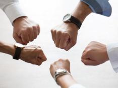 Und jetzt alle zusammen: Teambuilding und Teamentwicklung
