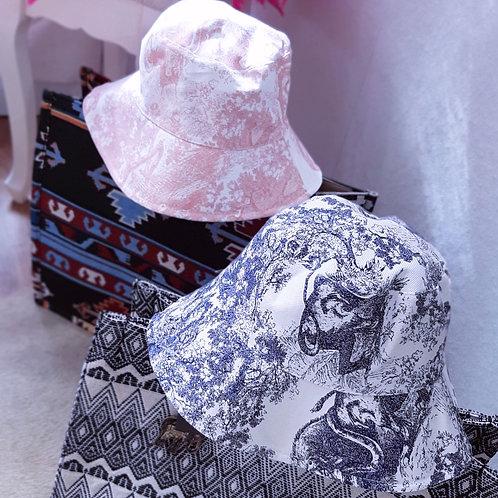 Toile De Jouy Bucket Hat Blau