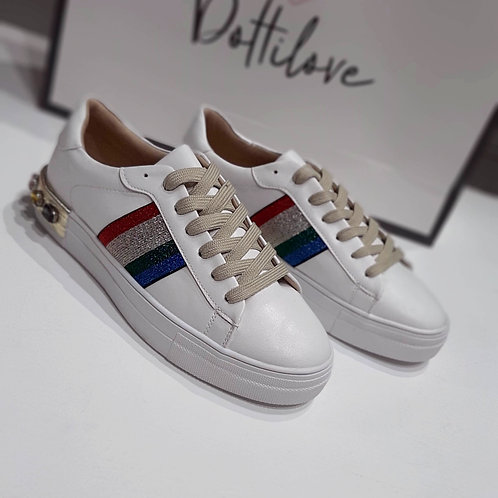 Elegance Sporty Sneaker