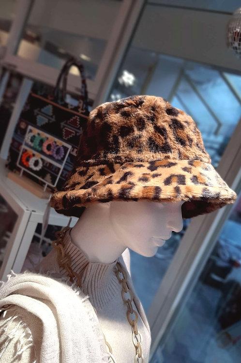STYLISH LEO BUCKET HAT