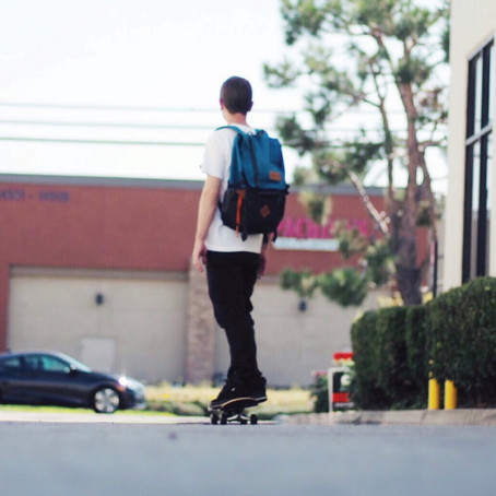 Be cool, Skate to school