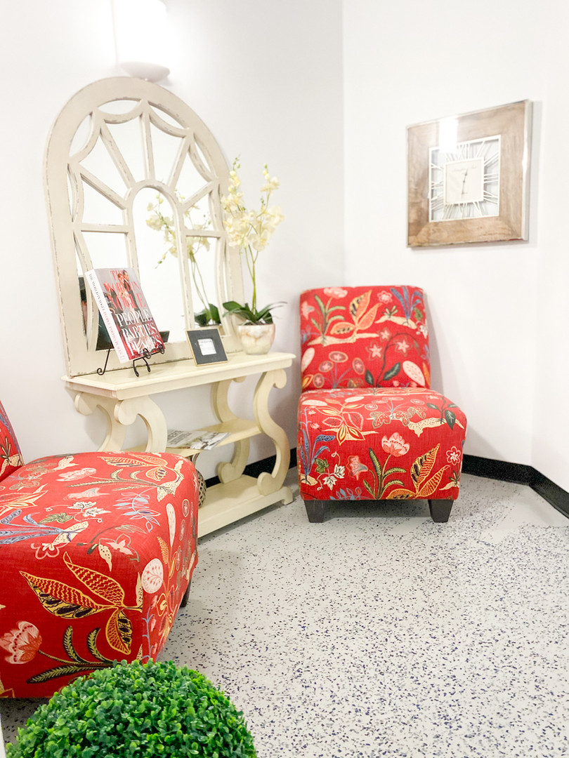 WOMEN'S SITTING ROOM