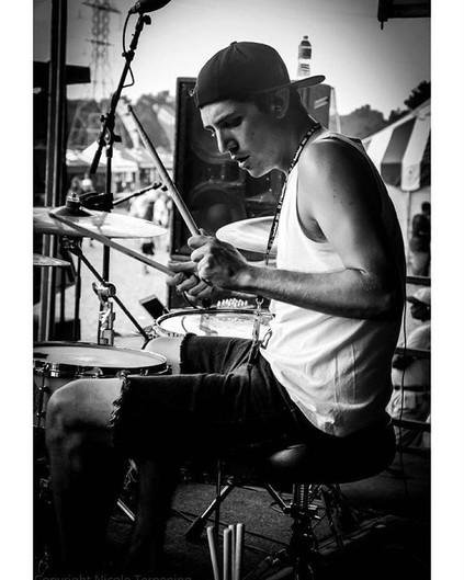_jtlbaby _vanswarpedtour #drummers #nico