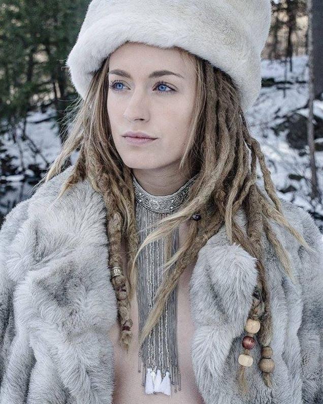 She is my queen!! #snow #model #besties
