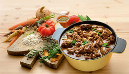 gardianne de taureau de manade , fabriqués artisanalement, longuement mijotés, spécialité provencale, gastronomie provencale, Comptoir des Salaisons, Provence Charcuterie