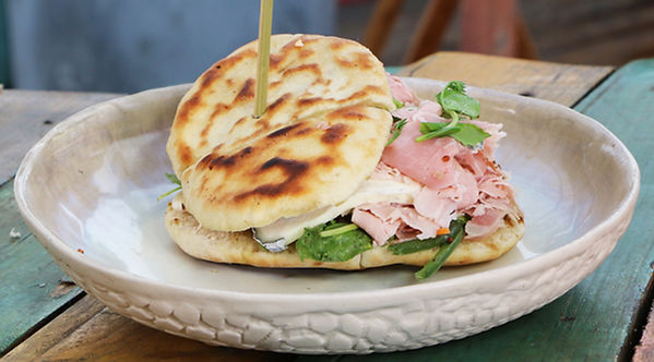 sandwich de Jambon l'Estaque, herbes de Provence, jambon artisanal, cuit avec son os, Provence Charcuterie, Comptoir des Salaisons