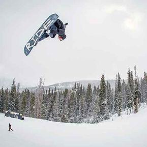 CAT-snowboard.jpg