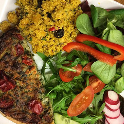 So much colour!! Dinner from Mumma Robinson tonight- Higgidy Quiche (Feta and Red Pepper) with Moroc