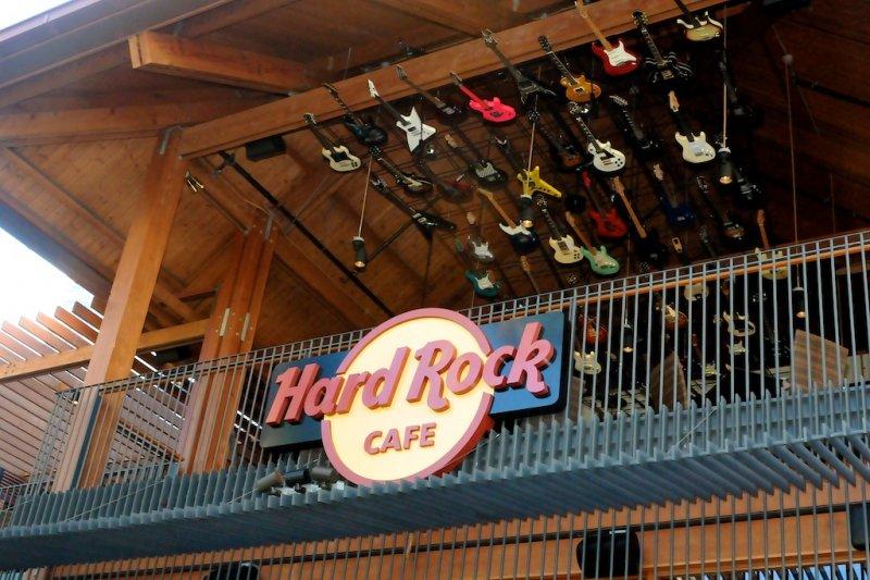 Hard Rock Cafe Honolulu Hawaii
