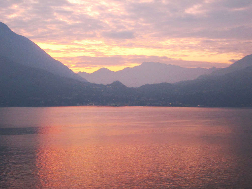 Early evening on Lake Como. Photo by Diana Dinverno