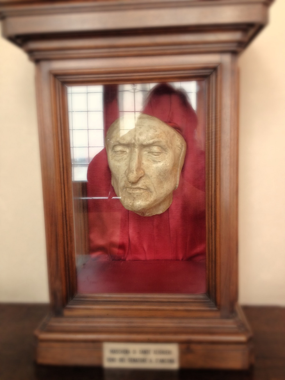 Dante's death mask. Photo by Diana Dinverno