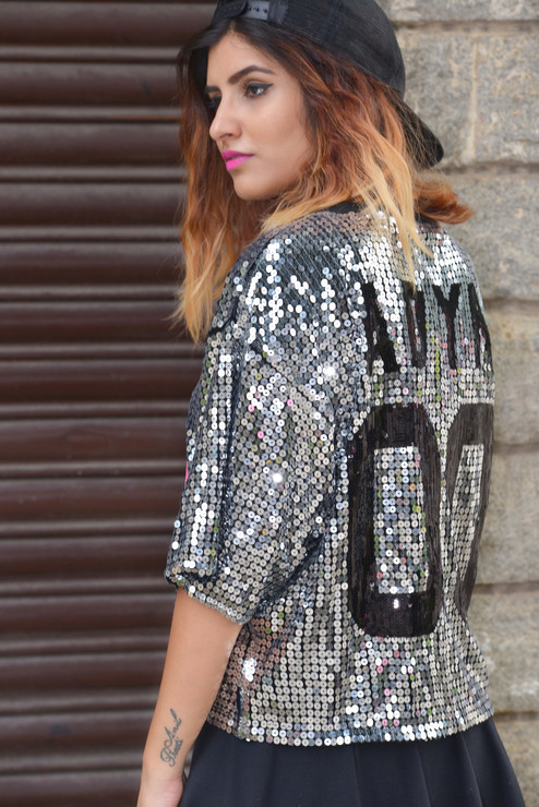 How to wear sequins for daytime?