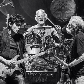 DEAD AND COMPANY
