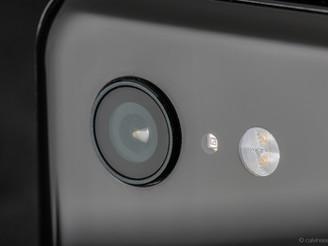 Google Pixel 3, the camera maximised.