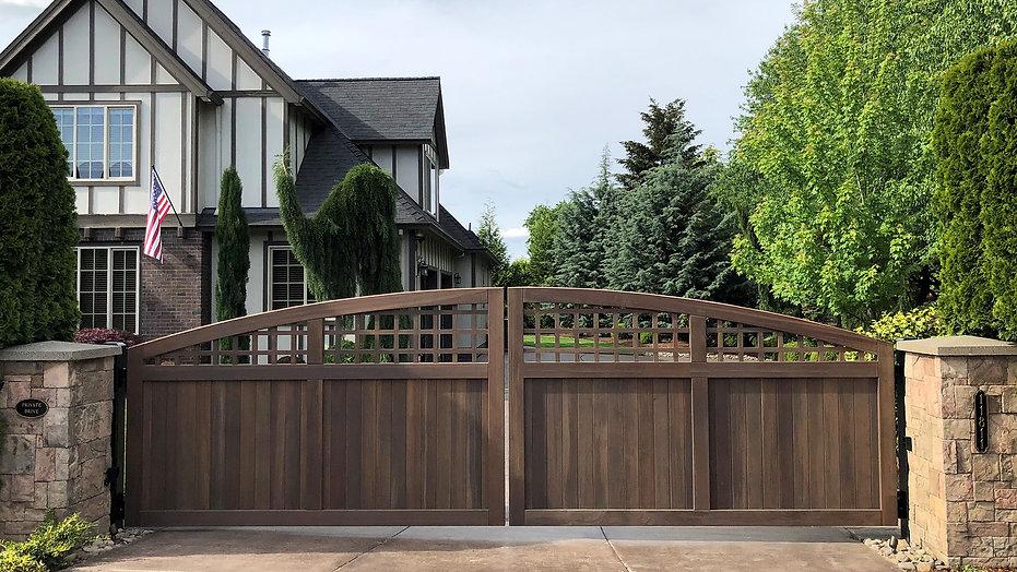 wooden-driveway-gate-portland.jpg