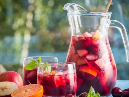 Sangria de Vinho Tinto Suave com Frutas