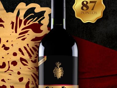 Um dos 30 vinhos tintos especiais para ter na sua adega é nosso!