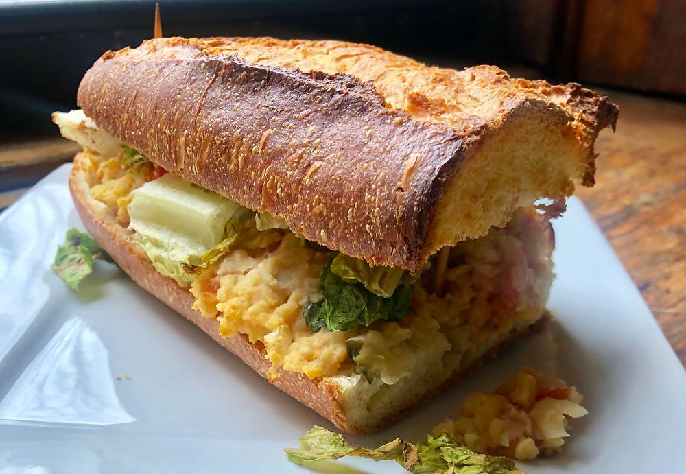 Smashed Kichererbsen Sandwich