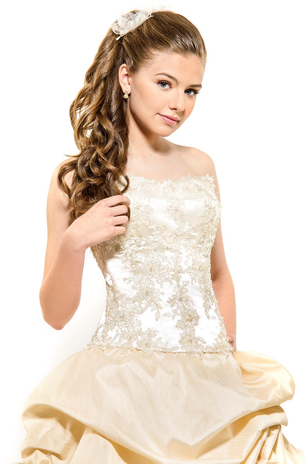Vestido de 15 años- Moderno en Blanco y Negro