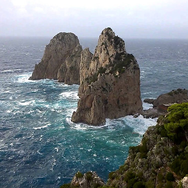 Capri - The Spectacular Sound and Motion of the Sea