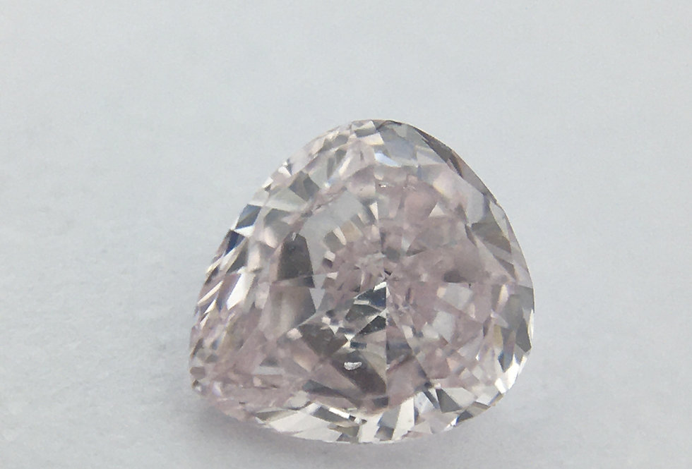 Pear 0.25ct Light Pink certified by GIA