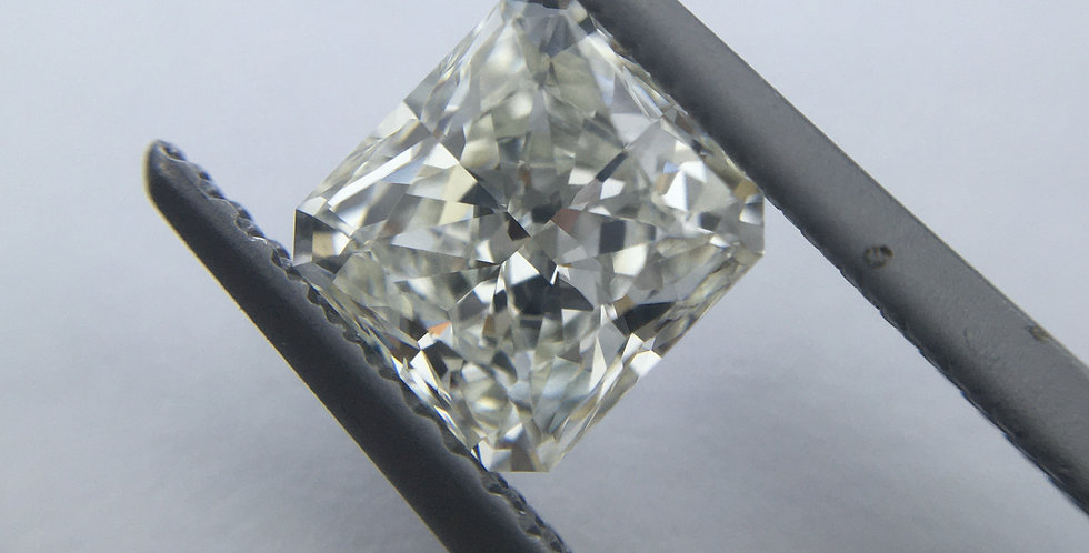 Radiant 1.03ct I IF certified by GIA