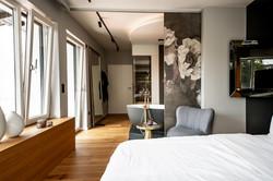 Schlafzimmer mit anschließenden Bad
