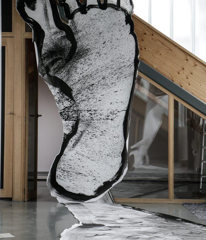 Gulliver ontwaakt by Mark Schalken