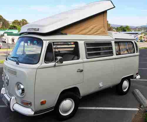 1974 Volkswagen Wafalia pop-top camper bus