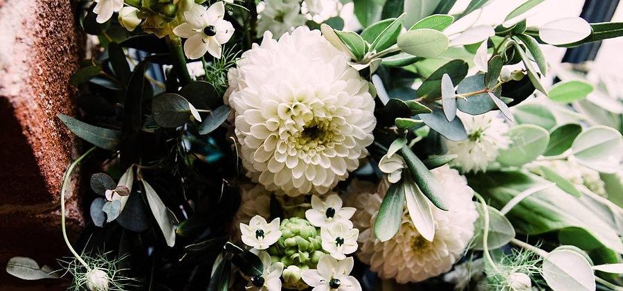 lauras flowers close up.JPG