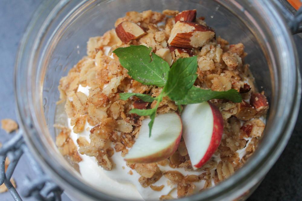 æble, æblemos, æblegrød, havregrynscrunch, mandler, flødeskum, Ingrid Marie, æblemos