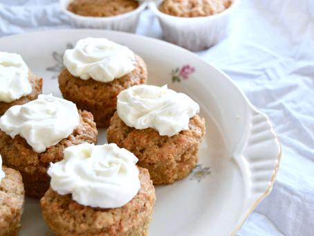 Glutenfri gulerodsmuffins med cream cheese