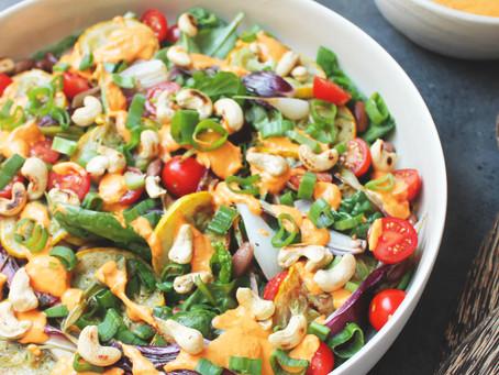Bønnesalat med squash og fetacreme